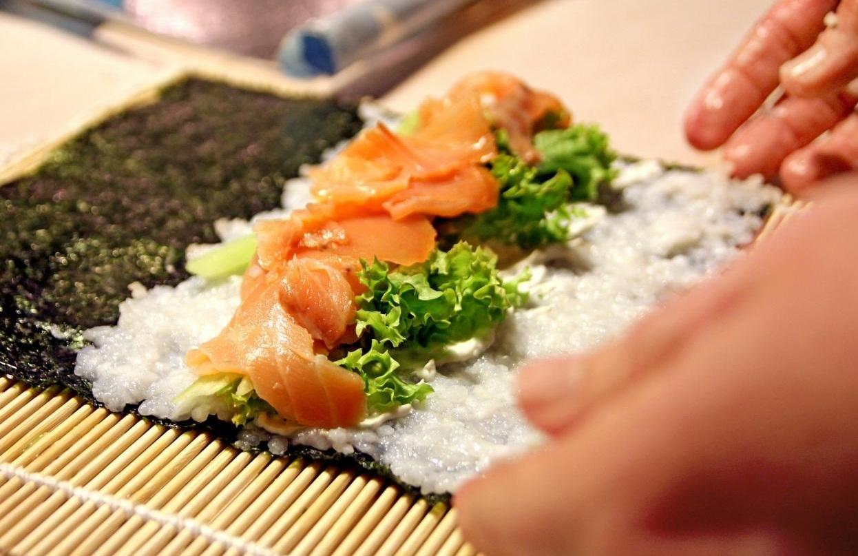 2166061533-sushi-368606_1920-jR8R